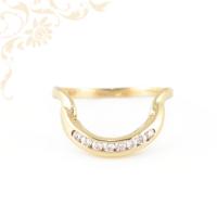 Extravagáns, női köves arany gyűrű cirkónia kövekkel