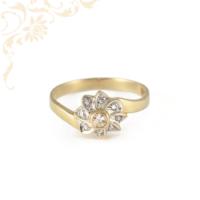 Kecses, finom vonalú, női köves arany gyűrű