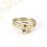 Igazán szép, lendületes vonalvezetésű, női köves arany gyűrű
