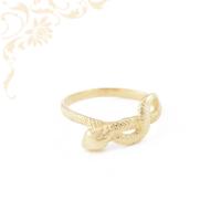 Kígyó formájú, női arany gyűrű.