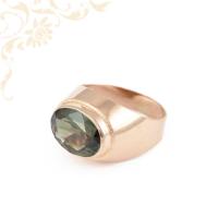 Klasszikus fazonú, női köves arany pecsétgyűrű, közepén zöld színű szintetikus kővel ékesítve