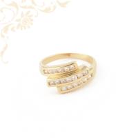 Fehér színű cirkónia kövekkel díszített, női köves arany gyűrű