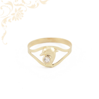 Áttört, delfines gyűrű, fehér színű cirkónia kővel díszítve.