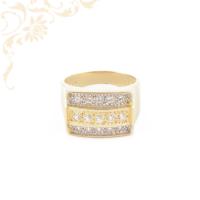 Nagyon dekoratív női köves arany gyűrű,