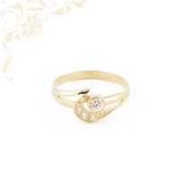 Áttört mintás, fehér színű cirkónia kövekkel díszített, női köves arany gyűrű