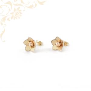 Virág formájú stekkeres arany fülbevaló