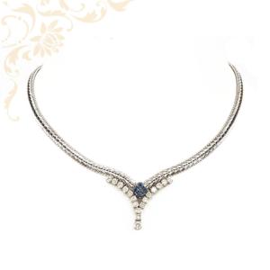 Zafírokkal és gyémántokkal ékesített női arany nyakék