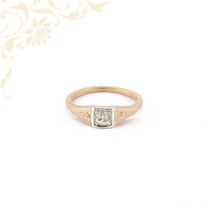 Női arany gyémánt gyűrű rozé aranyból.