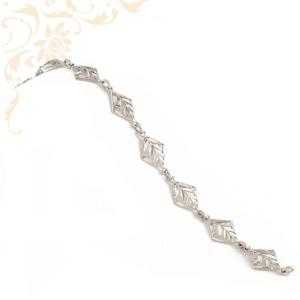 Nagyon szép, áttört, gyémántvésett mintával díszített, női ezüst karkötő