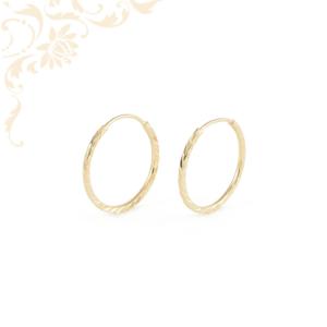 Üreges, gyémántvésett mintával díszített, női arany karika fülbevaló.