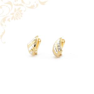 Gyémántvésett mintával díszített női arany fülbevaló