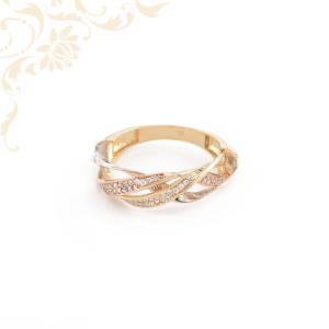 Nagyon dekoratív, fehér színű cirkónia köves női arany gyűrű
