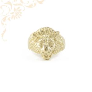 Oroszlánfejes arany gyűrű.
