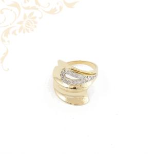 Széles fejrészű cirkónia köves női arany gyűrű