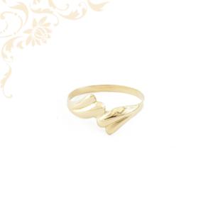 Kis súlyú, női arany gyűrű.