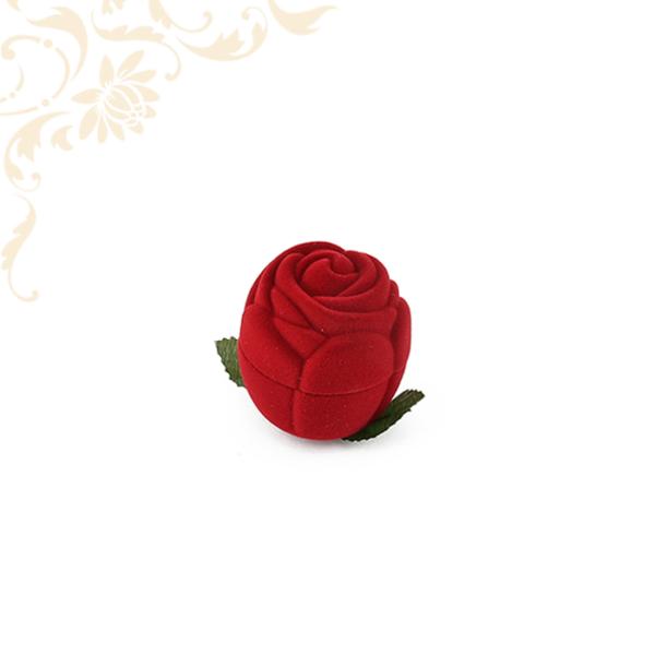 Rózsafej piros gyűrűdoboz