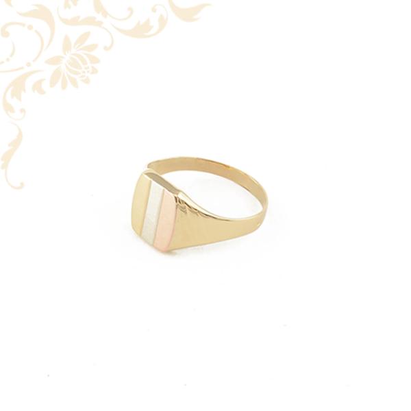 Férfi arany pecsétgyűrű, rozé (vörös) aranyozással és ródium bevonattal díszítve