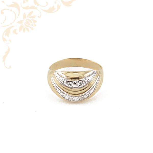 Nagyon szép és elegáns női arany gyűrű.