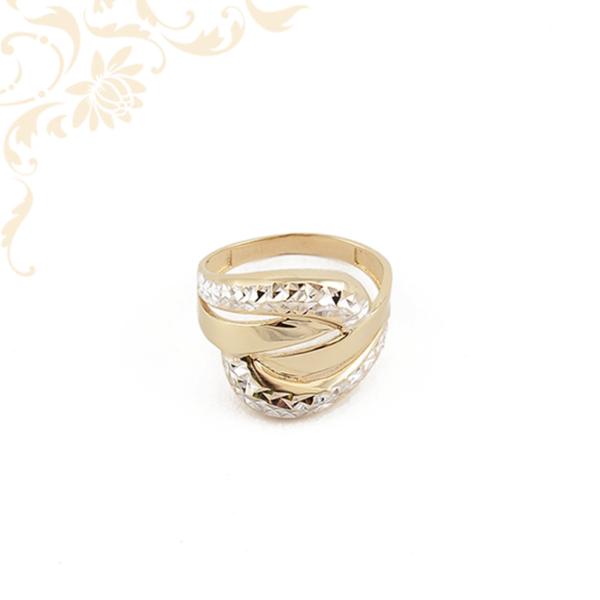 Széles fejrészű női arany gyűrű
