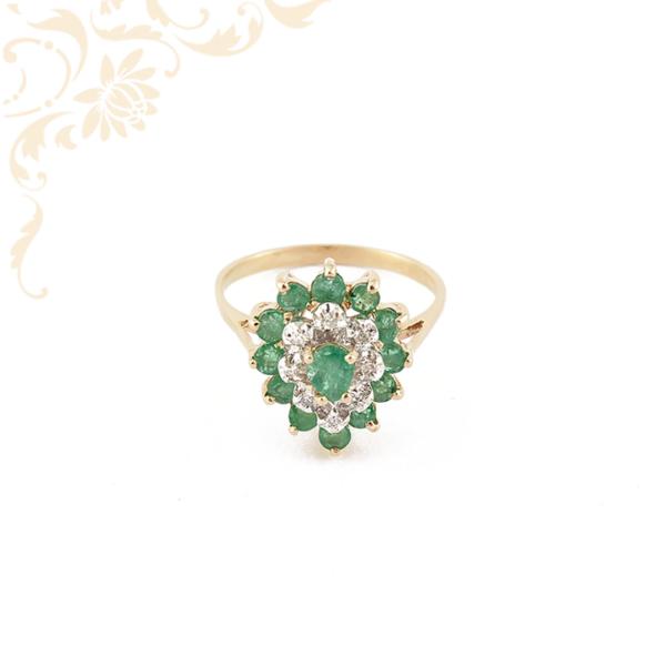 Gyémántokkal és smaragdokkal ékesített női arany gyűrű