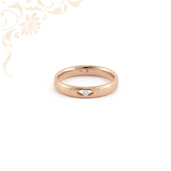 Gyémánttal ékesített, női arany karikagyűrű