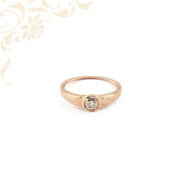 Rozé aranyból készült női gyémánt gyűrű