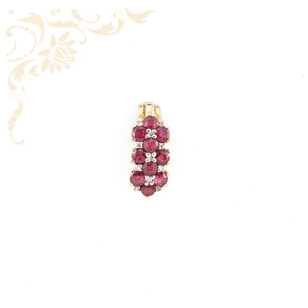 Exkluzív megjelenésű, rubinnal és gyémántokkal ékesített női arany medál