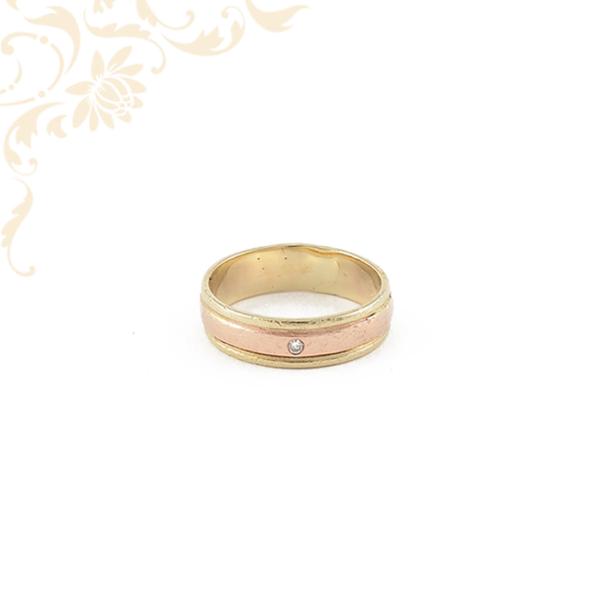 Női arany karikagyűrű gyémánttal ékesítve
