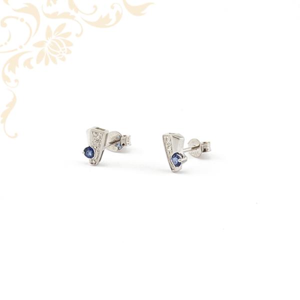 Fehérarany női fülbevaló gyémántokkal és zafír kővel ékesítve