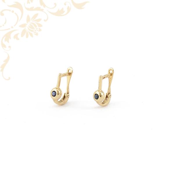 Zafír kövekkel ékesített női arany fülbevaló