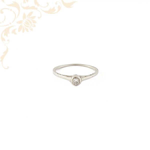 Gyémántköves női arany gyűrű fehéraranyból