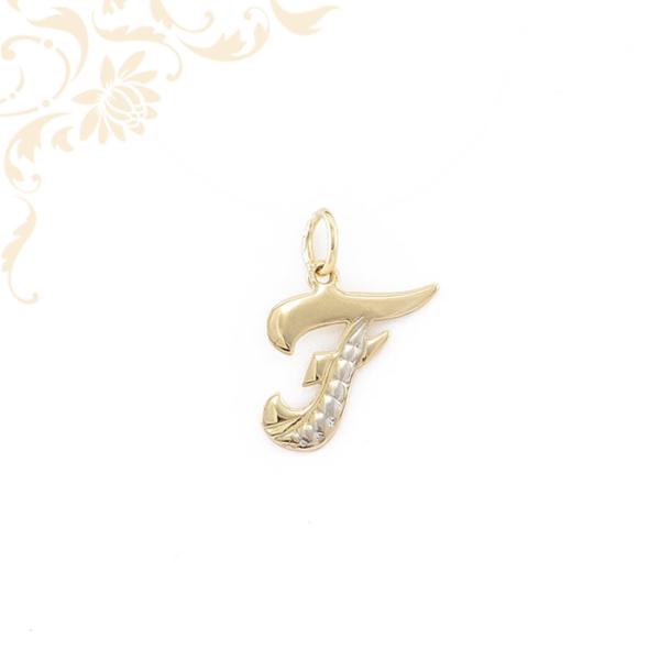 F betűt mintázó, arany medál.
