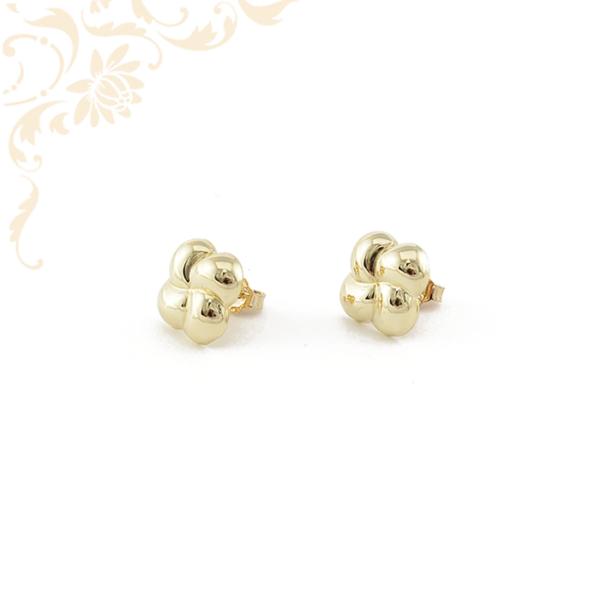 Igazán szép és mutatós, virág formájú, stekkeres női arany fülbevaló.