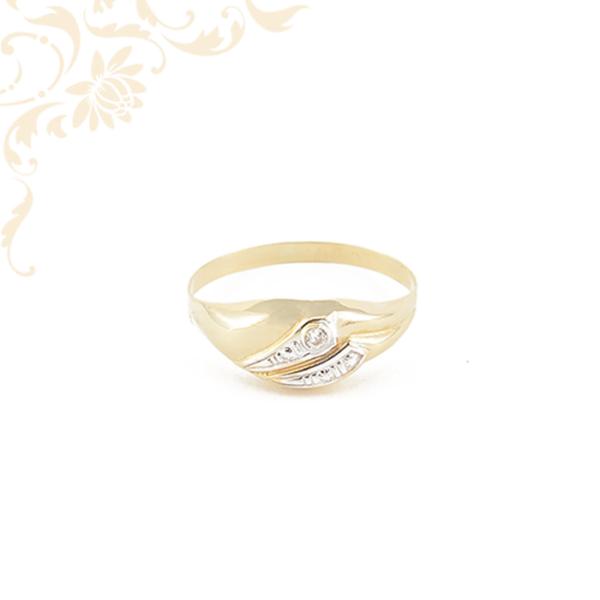 Női köves arany gyűrű.