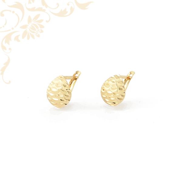 Csepp formájú arany fülbevaló