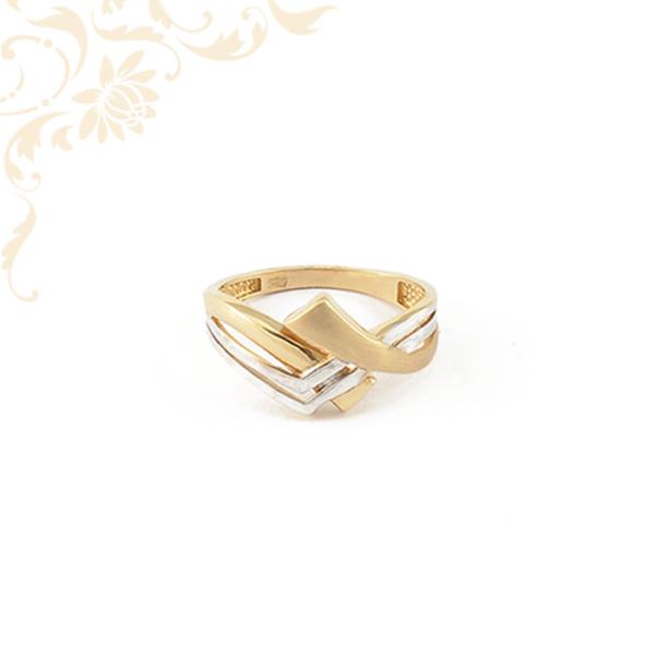 Áttört fejrészű női arany gyűrű