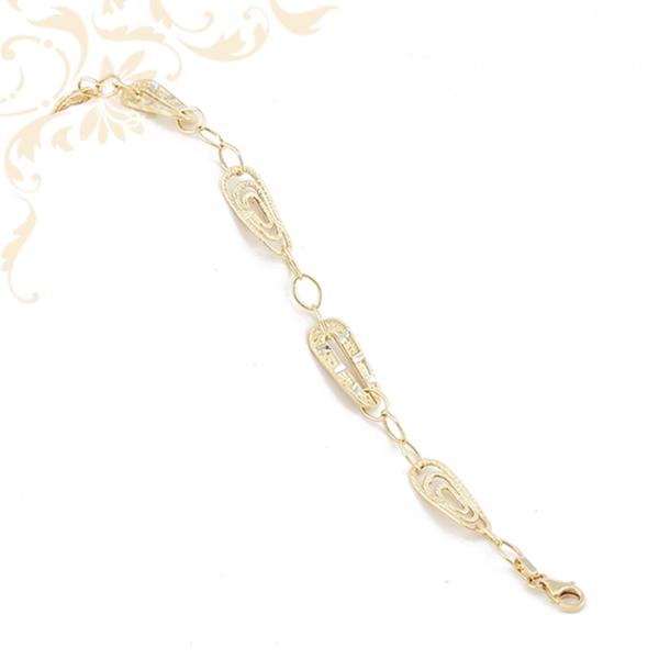 Gyémántvésett mintával díszített női üreges arany karkötő