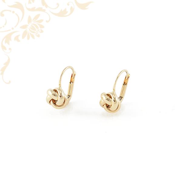 Fonott kialakítású arany fülbevaló