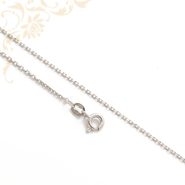 Anker fazonú ezüst nyaklánc.