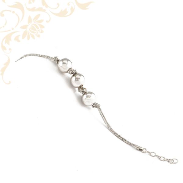 Gömbökkel díszített női ezüst karkötő