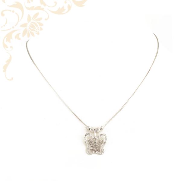 Ezüst kígyólánc, áttört, gyémántvésett, pillangó medállal díszítve