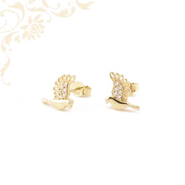 Galamb formájú arany fülbevaló, fehér színű cirkónia kövekkel díszítve