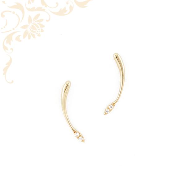 Nagyon elegáns, fehér színű cirkónia kövekkel díszített, női köves arany fülbevaló