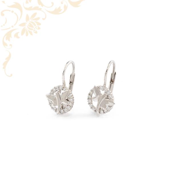 Fehér színű cirkónia kövekkel díszített, pillangót ábrázoló arany fülbevaló