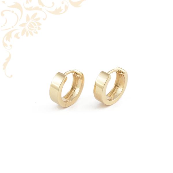 Tükörfényes felületű arany karika fülbevaló
