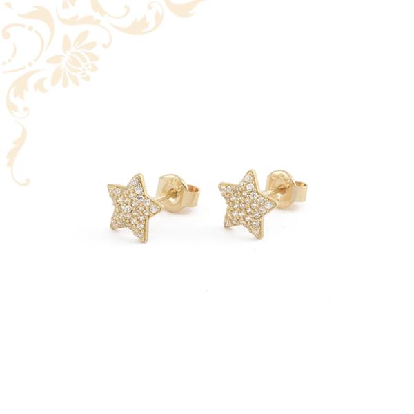Csillag formájú, csillogó fehér színű cirkónia kövekkel díszített, köves arany fülbevaló.