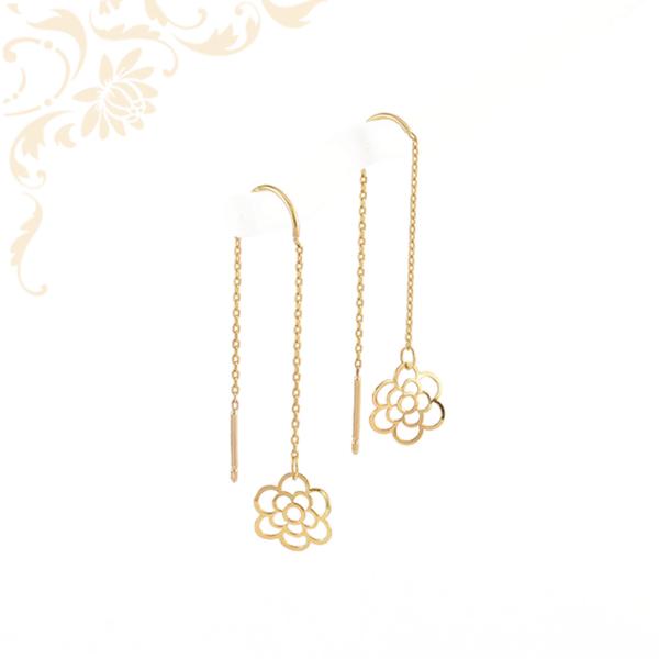 Áttört, virág formájú, fűzős, lógós női arany fülbevaló.