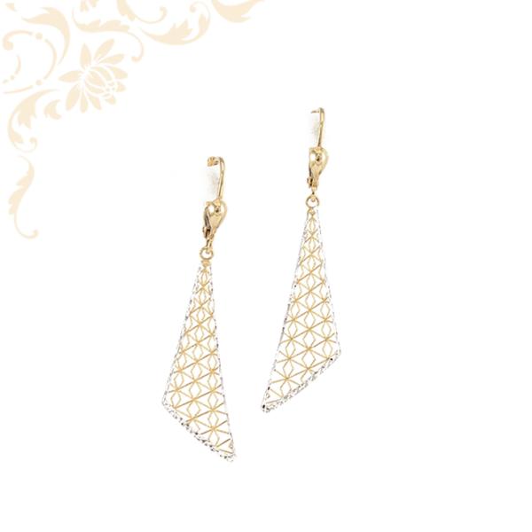 Nagyon szép és mutatós, csipke mintás női arany fülbevaló, ródium bevonattal díszítve