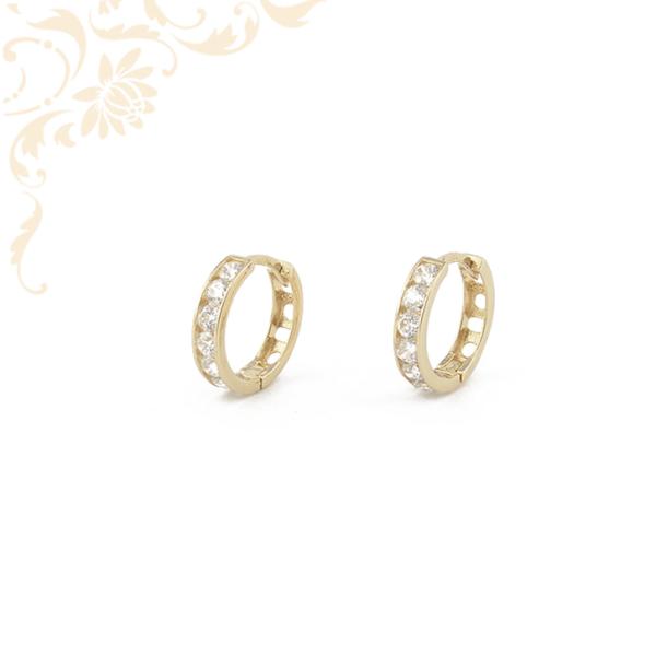 Fehér színű cirkónia kövekkel díszített, gyermek köves arany karika fülbevaló