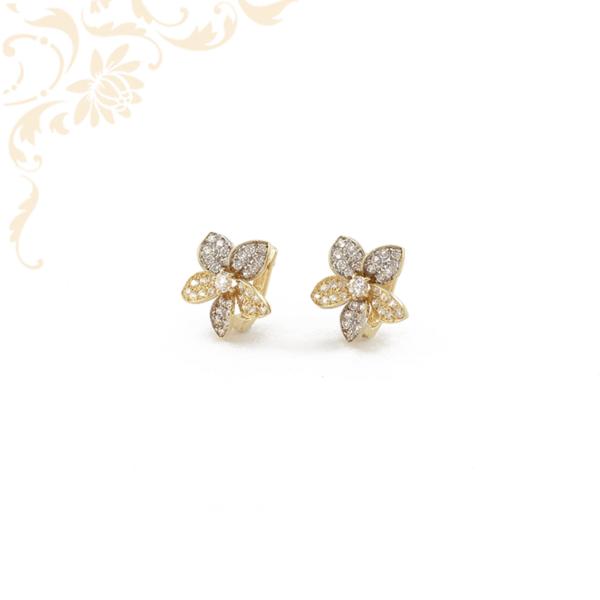 Virág formájú, női köves arany fülbevaló